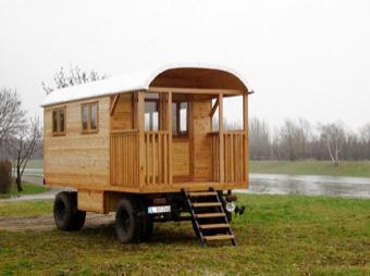 Zirkuswagen mit integrierter Terrasse (Neuaufbau)