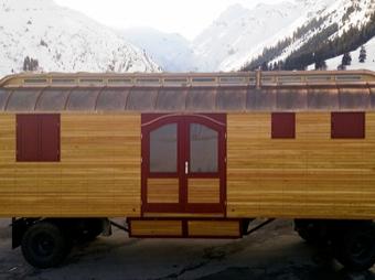 Zirkuswagen mit Oberlicht (Neuaufbau)